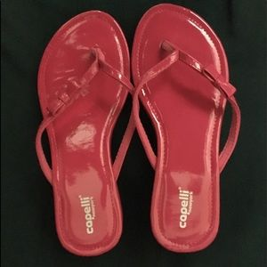 Capelli New York flip flops